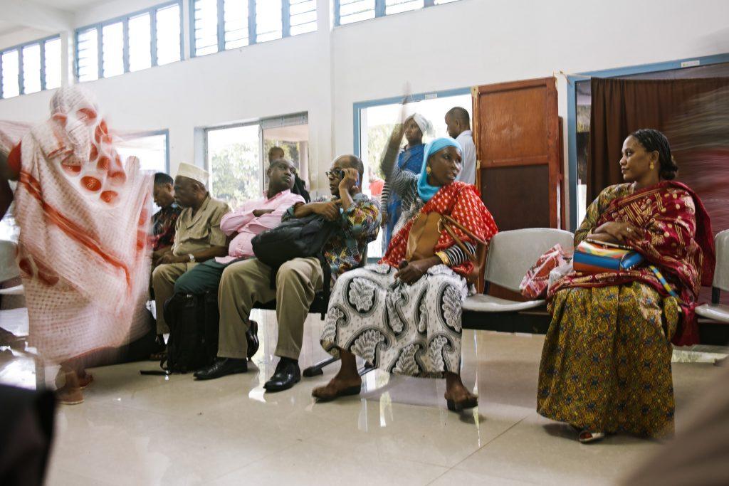 Comorians at the airport of Mutsamudu, Anjouan